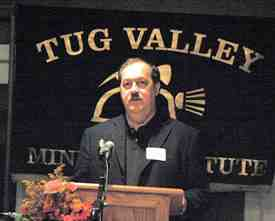 Don Blankenship takes strong pro-coal, anti-environmentalist stance in address to an overflow crowd at Tug Valley Mining Institute, Williamson, WVa, Nov 20 08/ohiocitizen.org