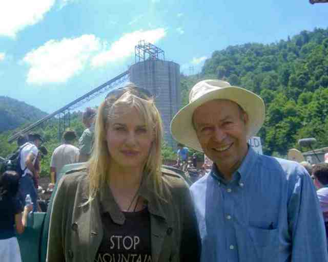 Actress Daryl Hannah & NASA climate scientist James Hansen at anti-MTR march & rally, Massey's Goals Coal processing plant, Sundial, WVa, June 23, 09/Rainforest Action Network, understory.ran.org