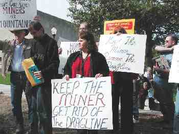 Judy Bonds at MTR mining protest, Charleston WVa, 2002/Vivian Stockman, OHVEC, Living on Earth, loe.org