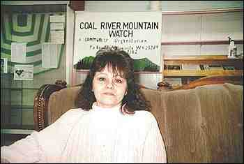 Judy Bonds at CRMW office, Whitesville, WVa, Jan 31, 2001/Eric Pianin, The Washington Post, washingtonpost.com