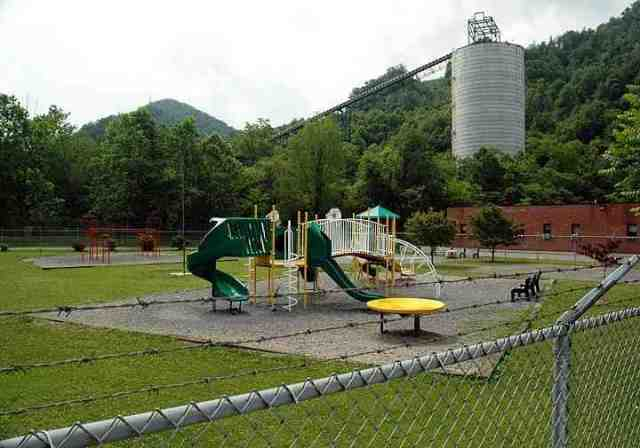 Marsh Fork Elementary School, Massey coal silo & conveypr, Sundial, WVa, June 05/Martin Pasqualetti, picasaweb.google.com