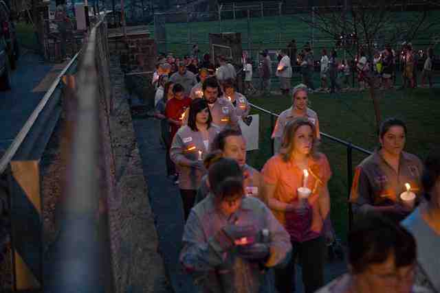 Residents holds vigil for lost miners outside local elementary school, Whitesville, WVa, April 7, 2010/Kayana Szymczak, Getty MSNBC, msnbc.com