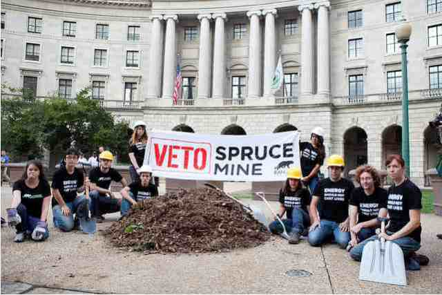 Activists dump coal waste at EPA headquarters, Washington, DC, Sept 13, 2010/Yassine El Mansouri, Rainforest Action Network, flickr.com
