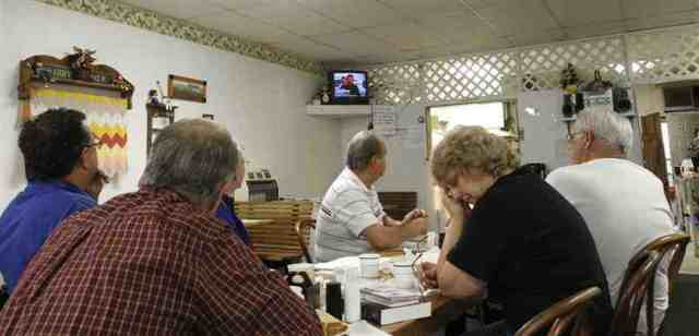 Diner patrons listen to announcement that rescue operations at Upper Big Branch are being suspended, Whitesville, WVa, April 8, 2010/Ed Reinke, AP, MSNBC, msnbc.com