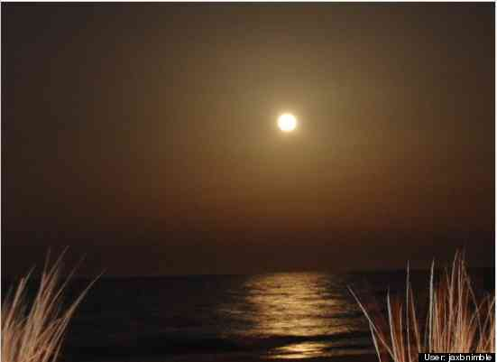 Supermoon over Atlantic Ocean, Ocean City, MD, March 19, 2011/jaxnimble, huffingtonpost.com