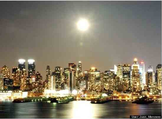 Supermoon over Manhattan, seen from Weehawken, NJ, March 19, 2011/Juan Manzano, huffingtonpost.com