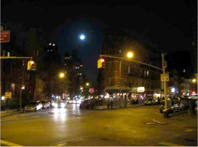Supermoon over Greenwich Village, NYC, March 19, 2011/gkwallace, ginisnaturenews.com