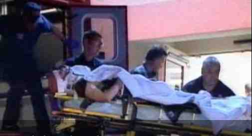 Ken Peters arrives at hospital after Kasatka's attack, Nov 29, 2006/CBSNews.com