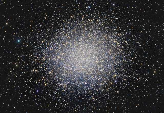 Globular Cluster Omega Centauri, containing approximately 10 million stars older than our sun/Gordon Mandell, NASA, JPL, Astronomy Picture of the Day, apod.nasa.gov