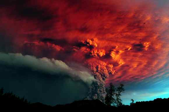 Ash billows from Puyehue-Cordon Caulle volcanic eruption in southern Chile, June 5, 2011/Claudio Santana, AFP, Getty, The Denver Post, denverpost.com