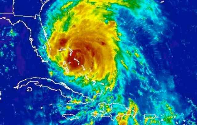 Hurricane Irene over the Bahamas, Aug 25 2011/NOAA Satellite and Information Service, ssd.noaa.gov