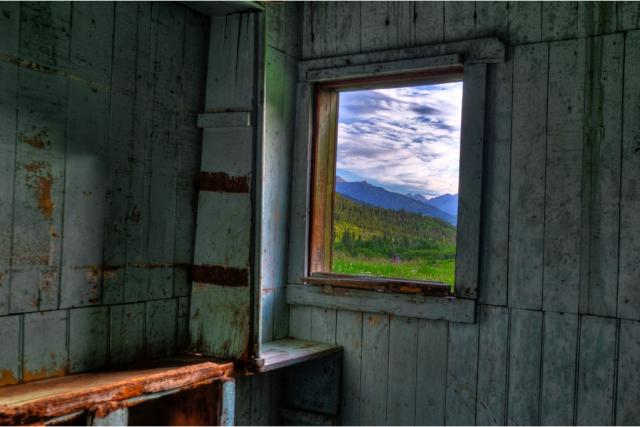 Cabin at Hunter Creek, Aspen, CO, July 12, 2010/ © Sam Gellman