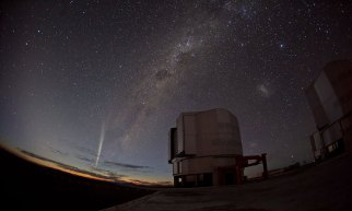 Comet Lovejoy, ESO Paranal Observatory, Chile, Dec 22, 2011/G. Blanchard, ESO, Physorg.com