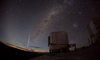 Comet Lovejoy, ESO Paranal Observatory, Chile, Dec 22, 2011/G. Blanchard, ESO, Physorg.com
