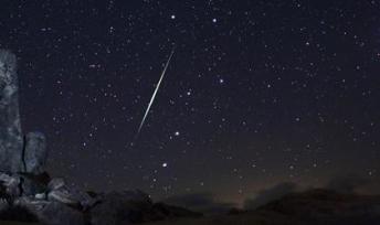 Geminid fireball over Mojave Desert, CA, Dec 13 2009/Wally Pacholka, AP, usatoday.com