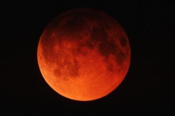 Lundar Eclipse, California, 1982/Roger Ressmeyer, CORBIS, NASA, discovery.com