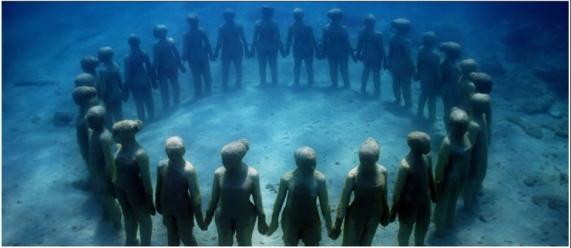 Underwater installation by Jason de Caires Taylor, undated/Jason de Caires Taylor, underwtersculpture.com