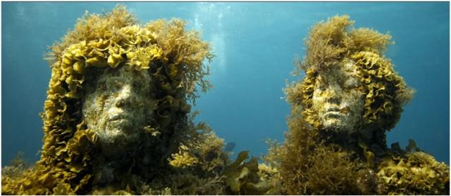 Still image from underwater installation by Jason deCaires Taylor, undated/Jason deCaires Taylor,underwatersculpture.com