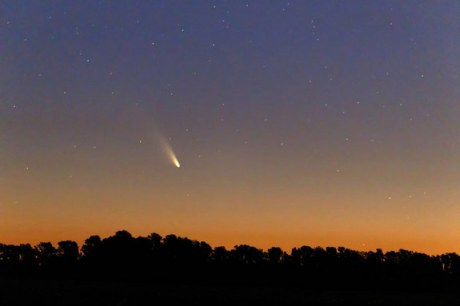 Comet Pan-STARRS, Buenos Aires, Argentina, March 2, 2013/Luis Argerich, Nightscape Photography, space.com