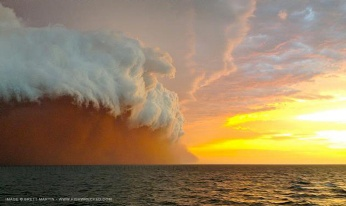 Dust-thunderstorm (haboob) off Northwestern Australia, Jan 9, 2013/Brett Martin, Fishwrecked.com,  Perth Weather Life, The New Zealand Herald