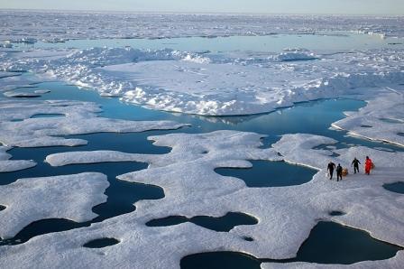 NOAA Scientists in Arctic, 2005/ NOAA