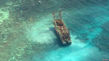 Chinese Fishing Vessel aground on Tubbataha Reef, Palawan Province, west of Manila, Philippines, April 10, 2013/Reuters, VOA