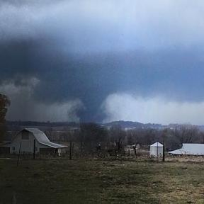 Tornado over Knox County, IN, photographed from Gibson County, IN, Nov 17, 2013/Bryce Matthews, ABC News