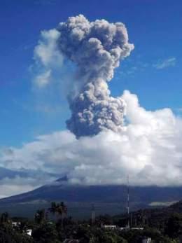 Mayon Volcano spews ash, Legazpi City, Central Philippines, May 7, 2013/Rhaydz Barcia, Reuters, Sky News