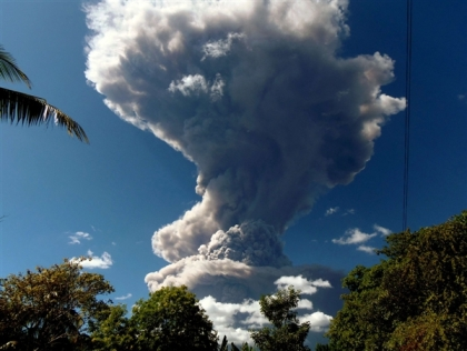 Chaparrastique volcano erupts, San Miguel, El Salvador, Dec 29 2013/Roberto Acevedo, AFP, Getty, NBC World News
