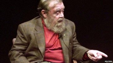 Farley Mowat, undated/ Reuters, BBC News