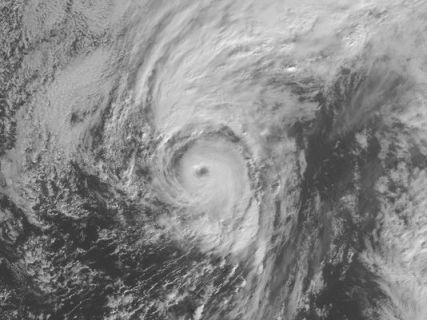Hurricane Alex, January 14, 2016 / NOAA, USA Today / Click for more.