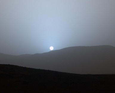 Curiosity rover image of sunset on Mars from Gale Crater, April 15, 2015 / NASA, JPL-Caltech, MSSS / Click for more.