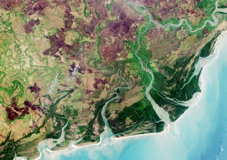 Zambezi River Delta, Mozambique, Sept 28, 2016 / ESA's Copernicus Sentinel-2A satellite, EOS / Click for more.