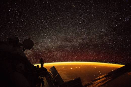 Earth enveloped in golden airglow as seen from ISS over Australia, Oct 7, 2018 / NASA / Click for more.